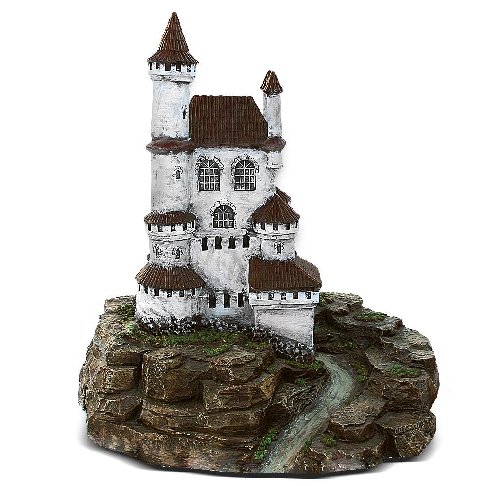 Миниатюрный замок для декора сада