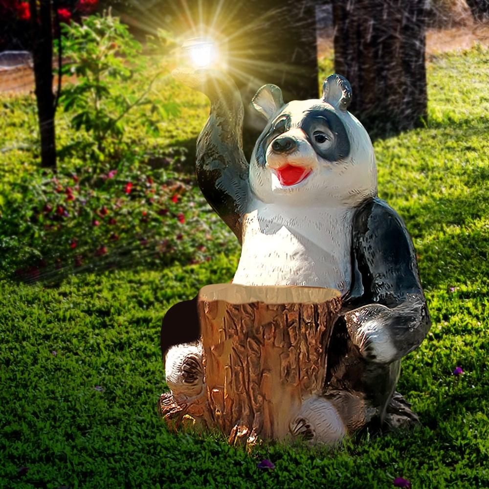 Садовая фигура панда с фонарем