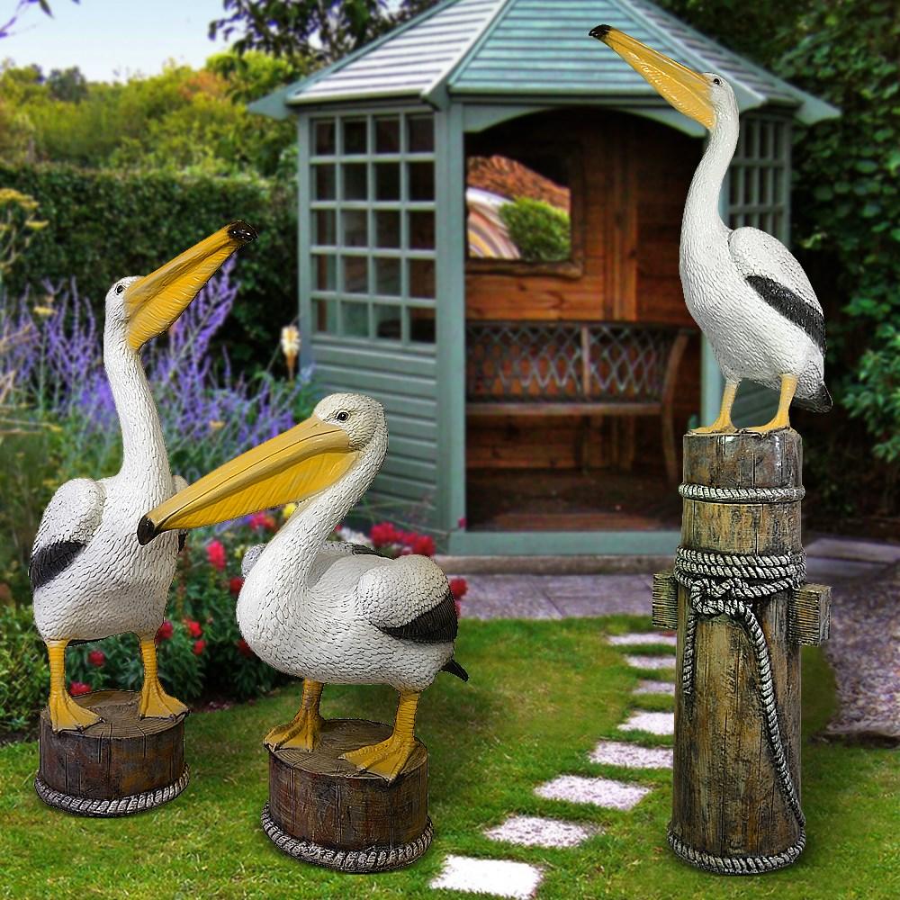 Комплект садовых фигур пеликаны