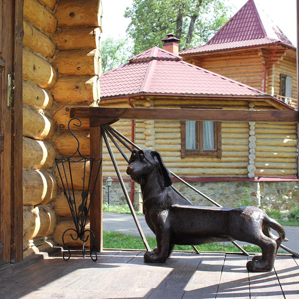 Фигура под бронзу собака