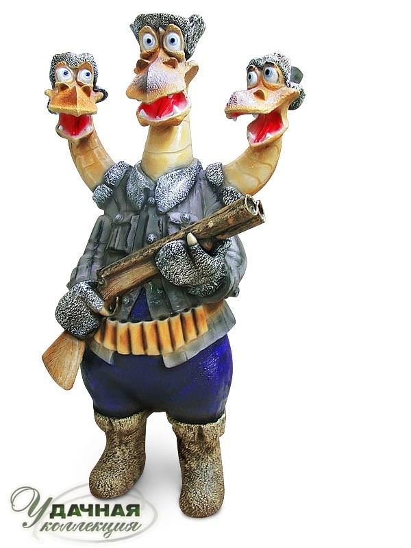 фото Большая фигура Змей Горыныч с ружьем