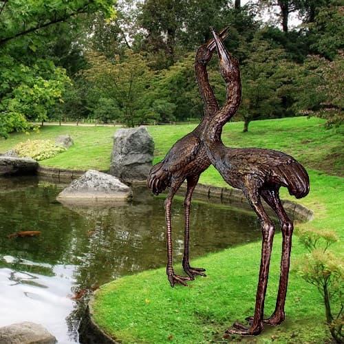 Садовые скульптуры с покраской под бронзу