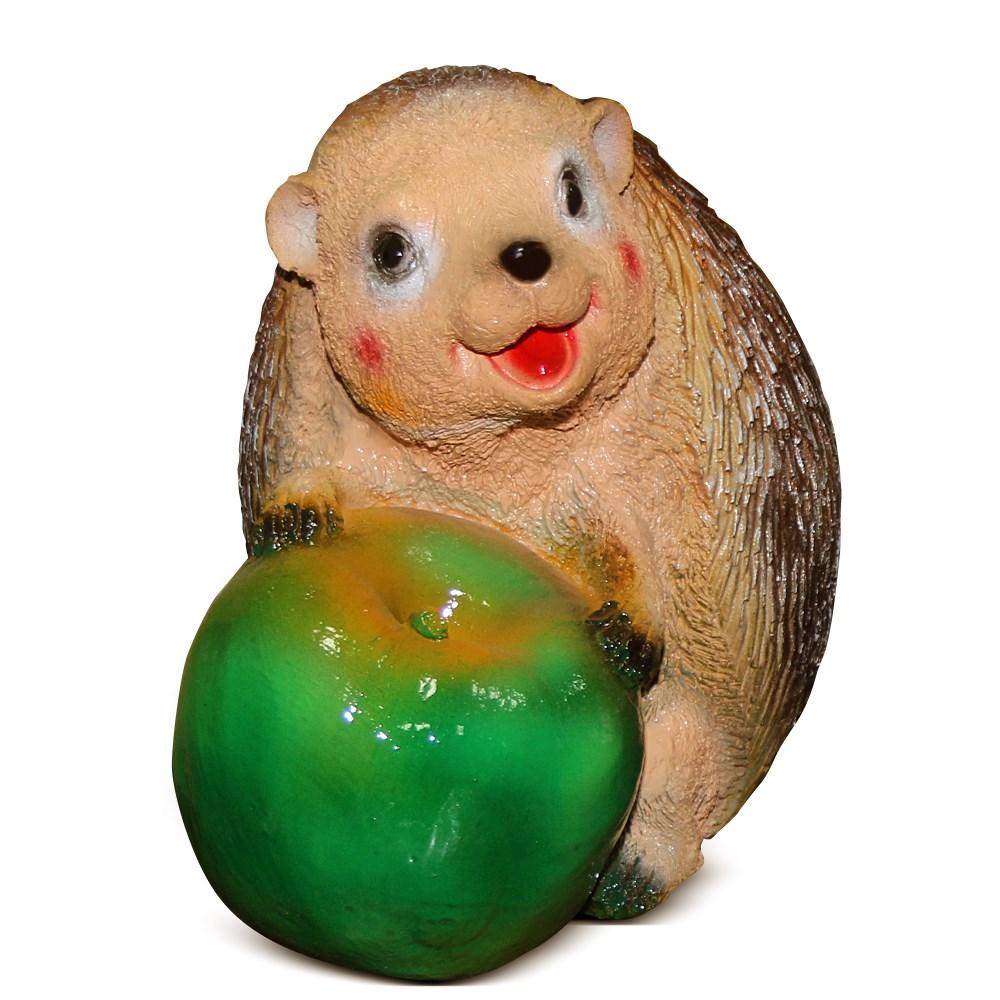 Фигурка из полистоуна Еж с яблоком - фото 14146