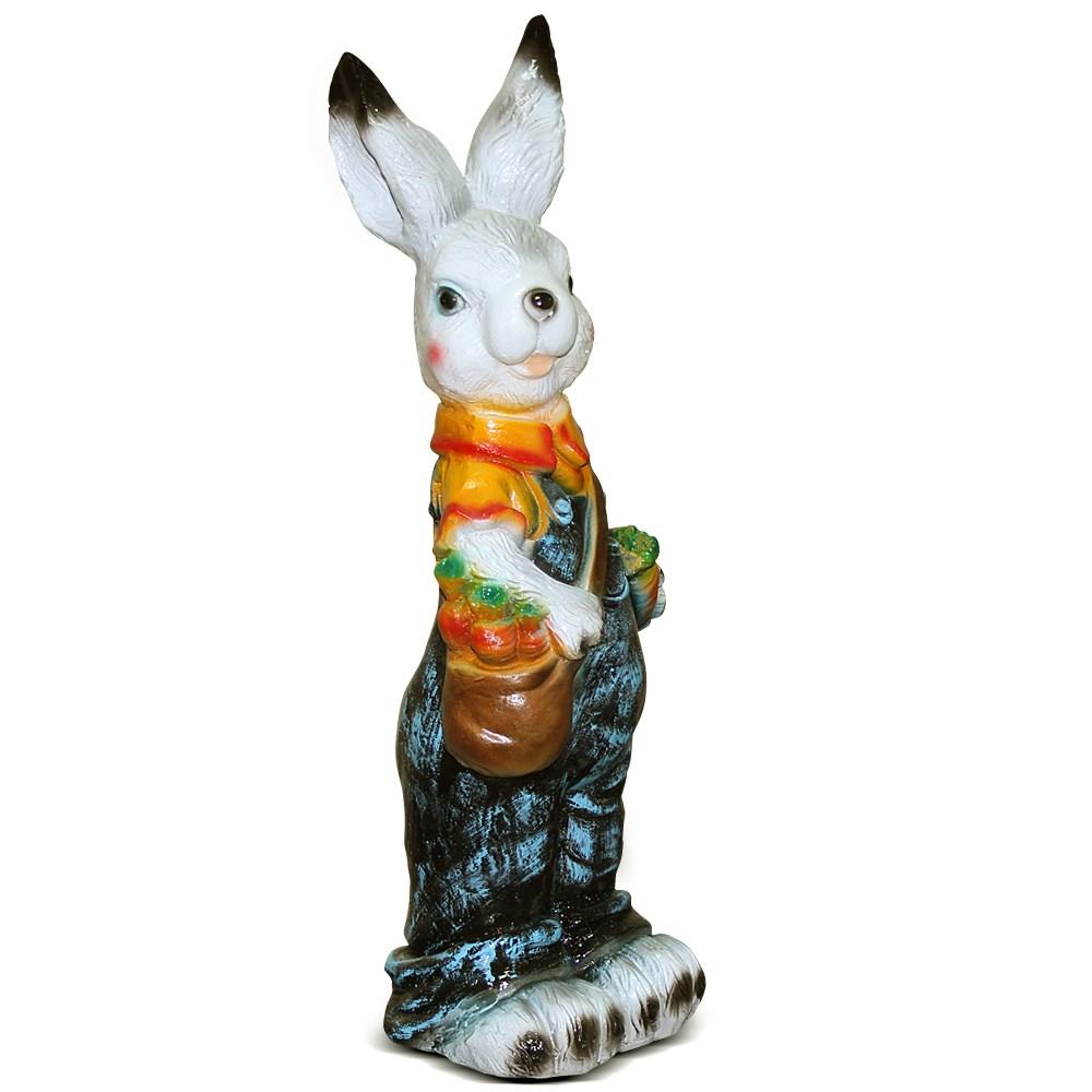 Садовая скульптура Зайка с сумкой и морковкой - фото 14268