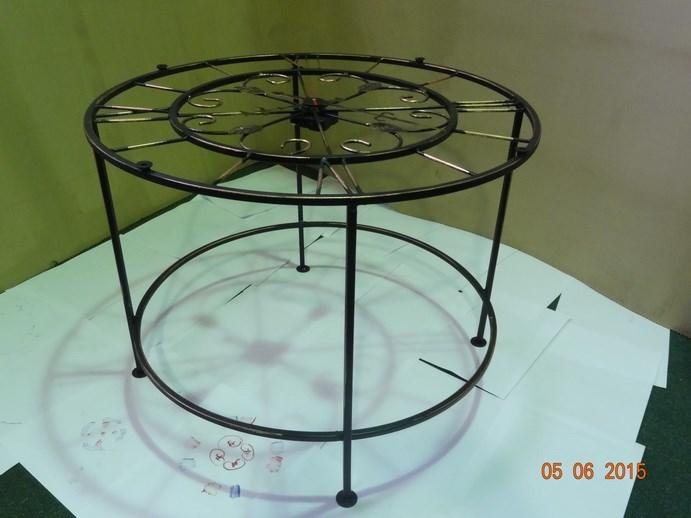 Стол кованый с часами - фото 14482
