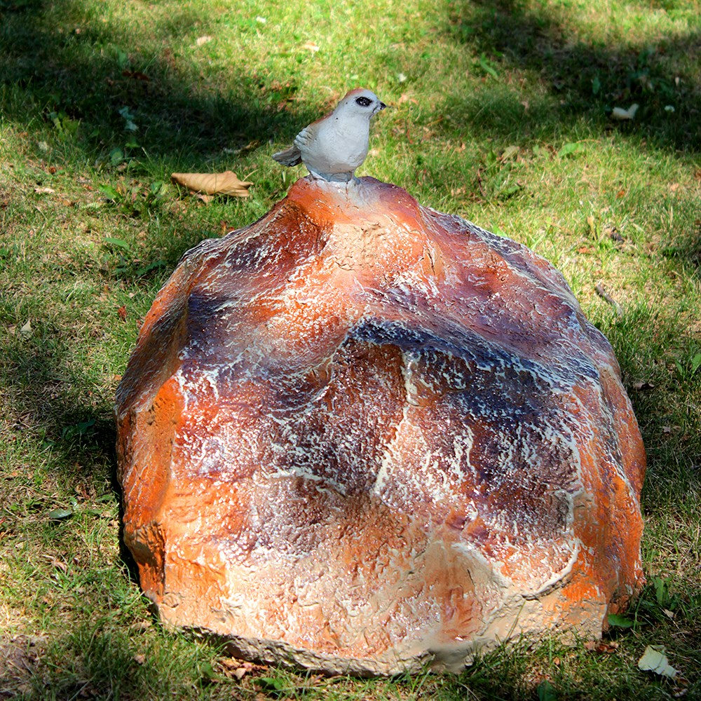 Камень с птичкой декоративный