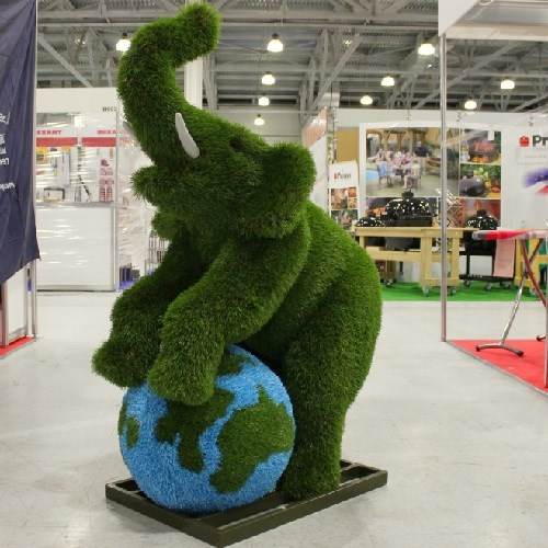 Фигура слоник на глобусе для детской площадки и сада