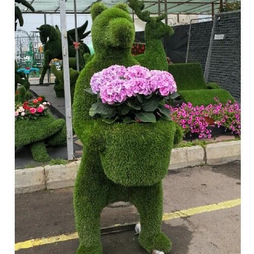 Топиарная фигура для сада медведь с цветами