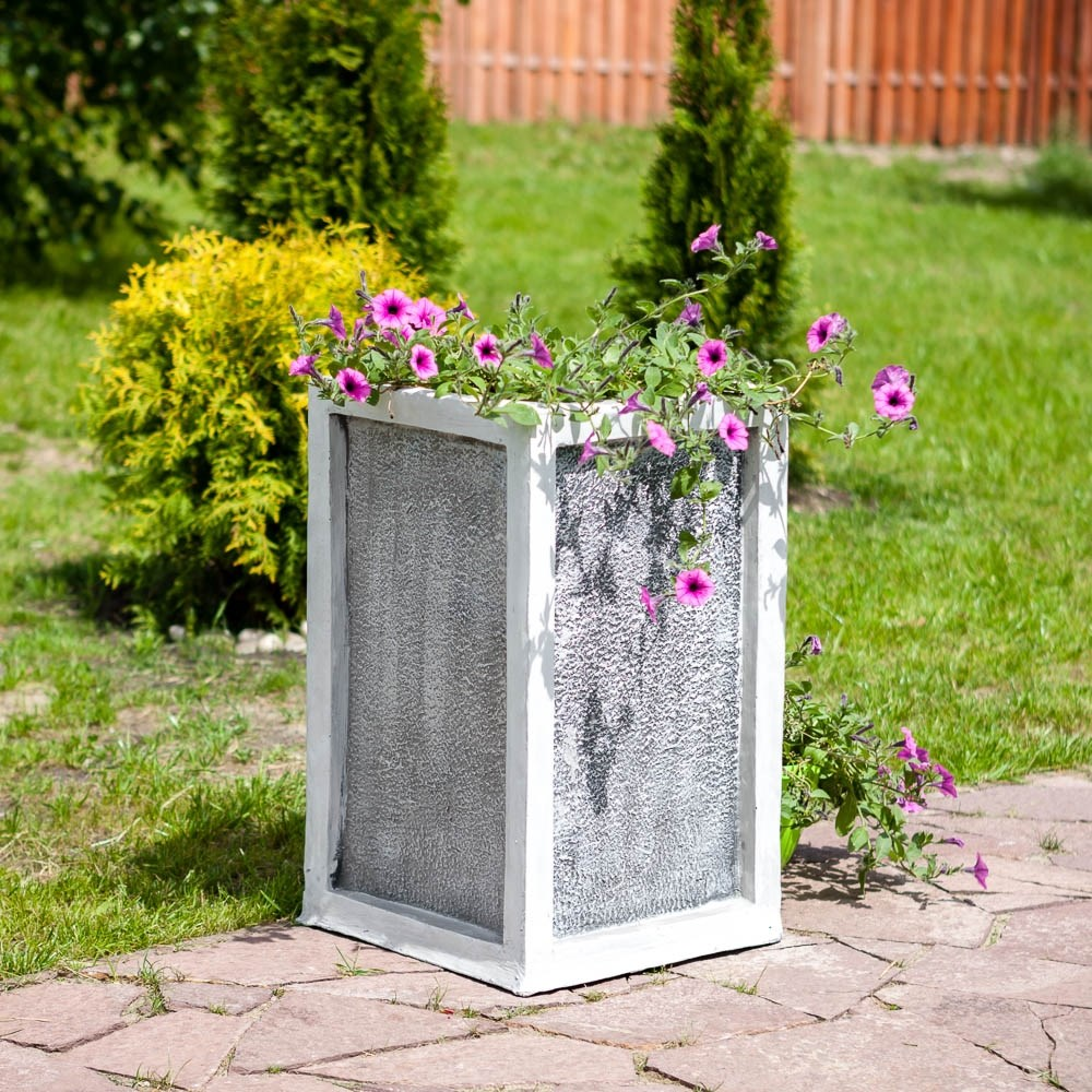 Кашпо садовое для цветов