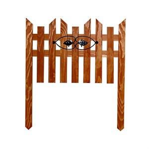 Деревянный забор с декором