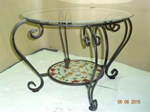 Кованый столик с витражом