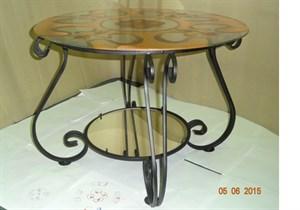 Столик с витражом и зеркалом