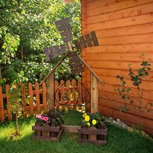 Подставка деревянная для цветов