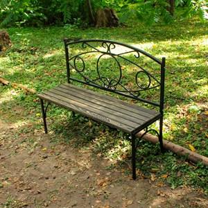 Скамейка из металла и дерева
