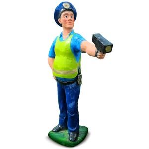 Садовая фигура инспектор