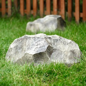 Камень крышка люка  F03093