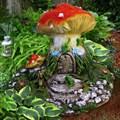 Фигура для дачи гриб