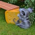 Скамейка мышь с сыром