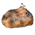Крышка люка камень с птичкой