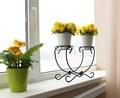 Кованая подставка на подоконник на 2 цветка