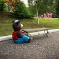 Скамейка уличная медведь с бочкой