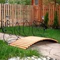 Декоративный мостик для загородного дома