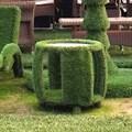 Фигура столи из искусственной зелени