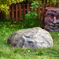 Крышка на колодец камень