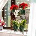 Подставка для цветов на подоконник фото
