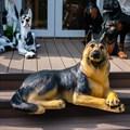 Фигура собаки из стеклопластика