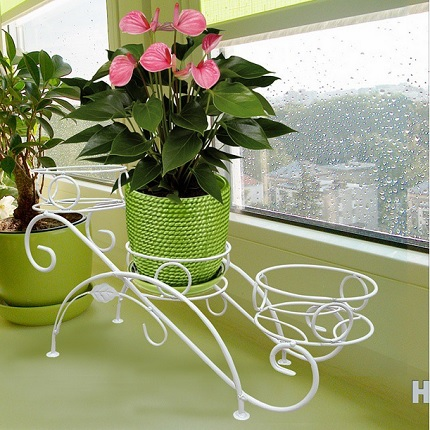 Подставка для цветов белая на подоконник