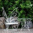 Белая мебель в саду - настоящая роскошь