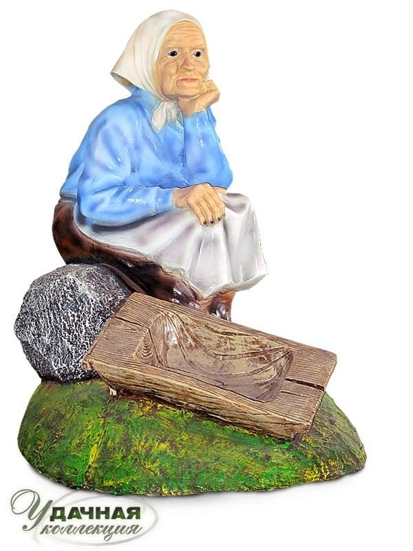 Садовая фигура Бабка у корыта