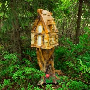 Декоративная избушка на дереве