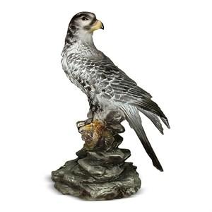Садовая фигура птицы сокол