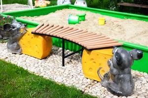 Детская скамейка мышь с сыром