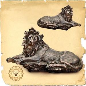 Лев лежащий