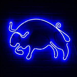 Световая фигура бык
