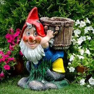 Садовая фигура гном с кадкой