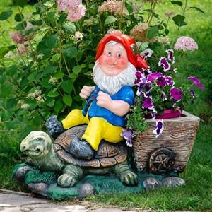 Садовая фигура гном с черепахой