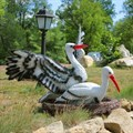 Фигура птиц аистов