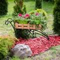 Металлическая подставка для цветов