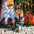 Садовая фигурка гнома