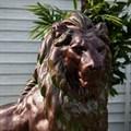 Фигура льва из стеклопластика