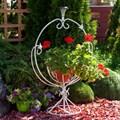 Кованая цветочница для сада